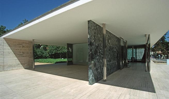 Barcelona Pavillion - Van der Rohe