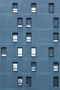Blue asymetric windows (Yann F.)