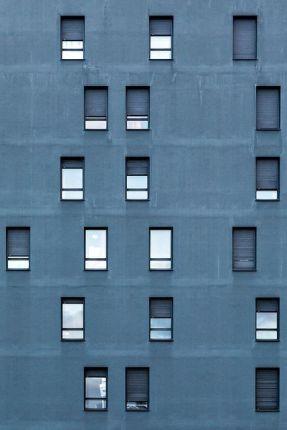 Blue asymetric windows (Yann F.)