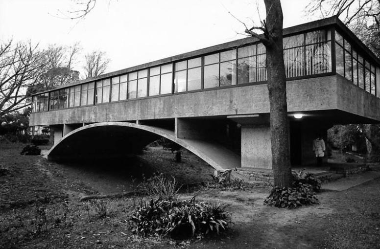 Bridge house - Amancio Williams