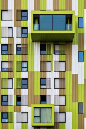 Colorfull facade & relief balconies - 01
