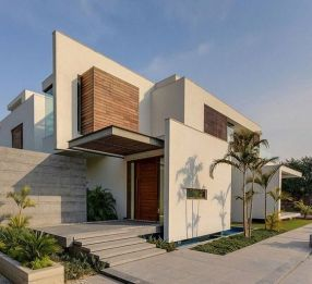 Contemporary facade house