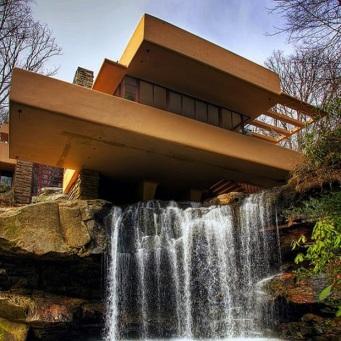 Fallingwater house - F. Lloyd Wright