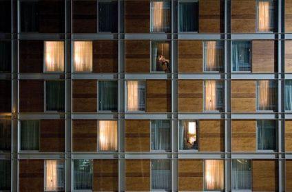 Hilton Double Tree. Wood & metal facade.Milano IT (Goring & Straja Arch.)