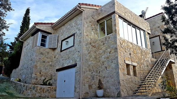 El Monte de Los Cortos - Revestimientos piedra chalet 169