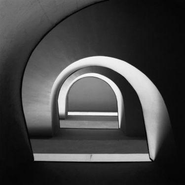 Perspectiva de arcos ondulantes