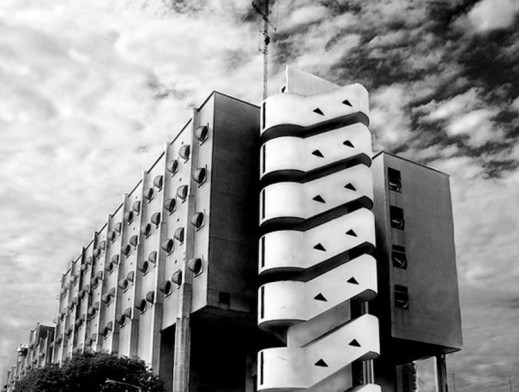 Clorindo Testa architecture