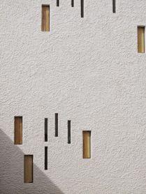 White facade thin windows - 01